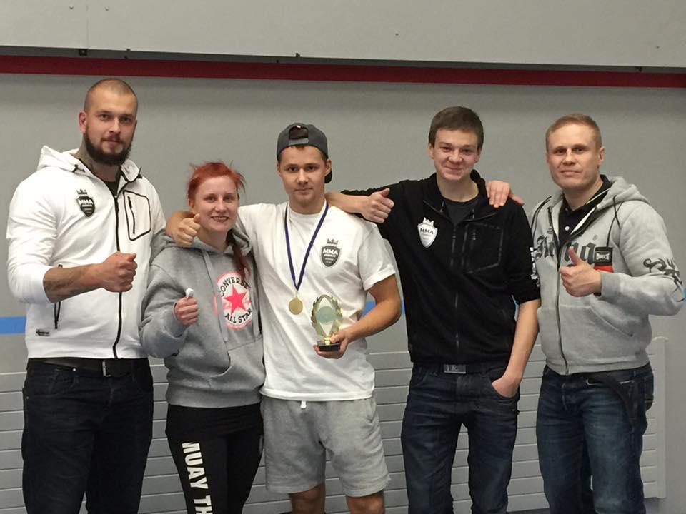 Vasemmalta alkaen Mikko Soikkeli, Aino Wasenius, Miska Rautiainen, Eetu Nevalainen ja Tuure Mutanen.
